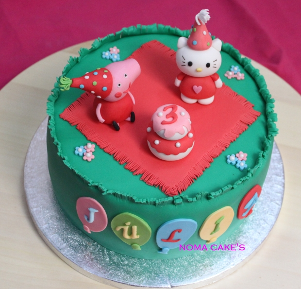 tarta kitty peppa pig