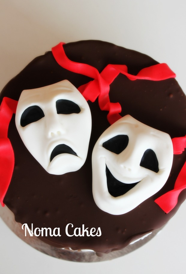 tarta teatro mascaras tragedia comedia alegre triste