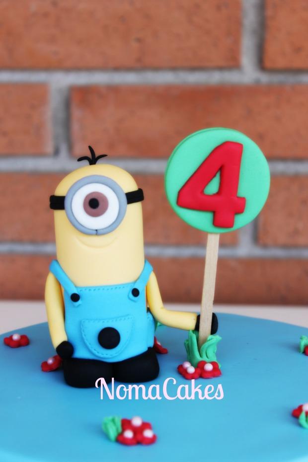 tarta minions minion cake